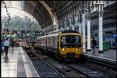 Turbo at the Terminus - GWR 165 117 (Richard Hagues Photography) Tags: london gwr 165 117 paddington station train turbo