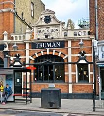 The Black Lion, London, UK (Robby Virus) Tags: london england uk unitedkingdom gb great britain british black lion pub tavern booze alcohol guesthouse restaurant historic rebuilt 1898 truman