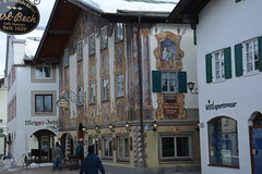 Seefeld 122 (mart.panzer) Tags: seefeld mittenwald village bayern bawaria germany deutschland d paintedhouses lueftlmalerei artisticfacadepainting bawarian frescoes