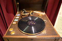 20190208 0229 Vintage HMV Record Player Elgars Birthpace NT Broadheath Worcestershire (rodtuk) Tags: misc roderickt cameramodel midlands flickr roderict rodt phototype flipublic uk shirley 4star rating worcestershire technology music canon5div england places
