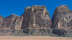 Wadi Rum  / وادي رم‎‎ # 34 (schreibtnix on 'n off) Tags: reisen travelling naher osten near east الشر الأوسطالأقصى jordanien jordan الأردن landschaft landscape wüste desert wadirum واديرم felsen rocks himmel sky blau blue olympuse5 schreibtnix