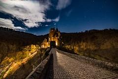 Burg Eltz (clemensgilles) Tags: château nightphotography longexposure castillo castle nachtfotografie eifel germany beautiful astrophotography amazing burgeltz