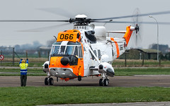 RoNAF_WS61_SeakingMk43_066_EBFN_21MAR19 (Yannick VP - thank you for 1Mio views supporters!!) Tags: rotorcraft touchdown landing flight formation farewell airplanespotting planespotting photography aviation eu europe be belgium 2019 march ab afb airbase koksijde ebfn 066 mk43 seaking sh3 westland sikorsky airforce norwegian royal ronaf wing rotary helo heli helikopter sar searchrescue military