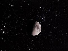 Moon vs. M44 (ReppiX) Tags: astrofotografie astrofotografia astrophotography astrophoto astronomie astrophysics nightsky milkyway sterne skywatcher sky telescope teleskop milchstrasse astronomy astrography langzeitbelichtung deepsky deepskyphotography deepskyobject moon mond m44 messier44
