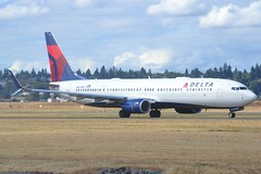 N877DN (LAXSPOTTER97) Tags: delta air lines boeing 737 737900er n877dn cn 31988 ln 6375 aviation airport airplane kpdx