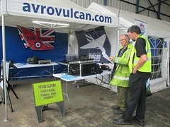 VRT volunteers in discussion during Visit the Vulcan Day, Southend Airport 17.06.18 (Trevor Bruford) Tags: vrt vulcan restoration trust xl426 southend airport avro nuclear bomber cold war plane jet aircraft airplane aviation raf tin triangle delta lady royal air force volunteers