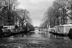 Canals (josebrito21) Tags: amsterdam canal canals blackwhite bw pretoebranco netherland river city josébrito josebrito2 josébritophotography josébritophotos josébritofotografia josébritofotos streetphotography urbanphotography urbanbw urbanblackwhite
