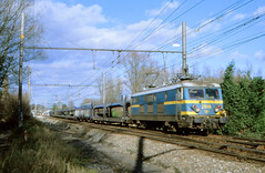 NMBS 2508 @ Céroux-Mousty (Peter Van Gestel) Tags: court saint etienne lijn ligne 140 nmbs sncb reeks serie 25