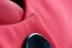 Veste Tailleur de soirée (Christian Chene Tahiti) Tags: canon 6d macromondays cloth vêtement linge bouton auckland rouge red couleur colour hmm macro nouvellezélande newzealand bokeh closer closeup tailleur veste