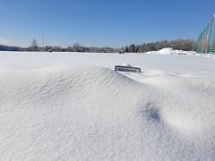 Sportplatz gesperrt! (Cornelia1989) Tags: schnee winter blau himmel königsdorf bayern oberbayern samsung samsunggalaxys9 smartphone sportplatz schild weis sonne wolken bäume sky cloud snow white