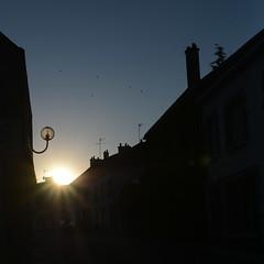 2018 Juillet - Coucher Soleil (Kervignac).001 (hubert_lan562) Tags: rue architecture maison sun ciel soleil kervignac lorient morbihan bretagne coucher noir bleu ombre 56