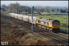 GBRF 66725 - Moore (Tf91) Tags: rail freight loco shed 66725 gbrf cement 6m90 moore train clitheroe avonmouth