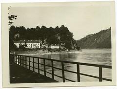 . (Kaïopai°) Tags: vintage old alt historie history geschichte damals früher historic river flus fluss geländer flussufer exterior grein donau danube