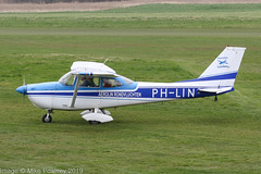 PH-LIN - 1967 build Cessna 172H Skyhawk, taxiing to parking on arrival at Barton (egcc) Tags: 17256239 172h aerolinluchtfoto aerolinrondvluchten barton ce172 cessna cessna172 cityairport egcb lightroom manchester n8039l phlin skyhawk