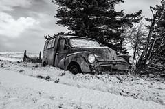 Broken (David Feuerhelm) Tags: monochrome mono bw blackandwhite schwarzundweiss blancoynegro noiretblanc contrast nikkor wideangle car wreck abandoned snow iceland nikon d750 1635mmf4