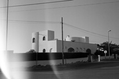 (analogicmoment) Tags: 35mm analogphotography filmphotography blackandwhite bw kodaktrix400 kodakhc110b contaxt architecture buyfilmnotmegapixels ishootfilm keepfilmalive filmisnotdead