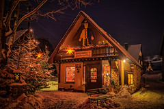 a little wood art shop at night in winter (Peters HDR hobby pictures) Tags: petershdrstudio hdr winter woodartshop woodart night snow christmaslights erzgebirge schnee holzkunst holzkunstshop licht nacht