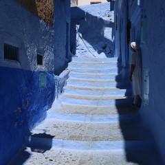 Chefchaouen... (Zé Eduardo...) Tags: chefchaouen medina maroc women people blue stairs urban wall house shadows africa morocco