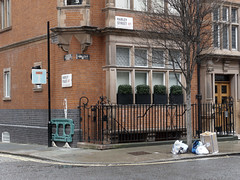 20190210T12-50-30Z (fitzrovialitter) Tags: peterfoster fitzrovialitter city camden westminster streets urban street environment london fitzrovia streetphotography documentary authenticstreet reportage photojournalism editorial daybyday journal diary captureone olympusem1markii mzuiko 1240mmpro microfourthirds mft m43 μ43 μft oitrack exiftool england gbr geo:lat=5151869000 geo:lon=014676000 geotagged oxfordcircus unitedkingdom westendward