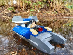 Battle catamaran (sander_sloots) Tags: rosetico lego catamaran boat speeder starwars rose tico water moc boot bricks stenen speelgoed toy my own creation