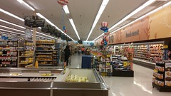 Aligned (Retail Retell) Tags: batesville ms kroger panola county retail 2012 bountiful décor formerly wannabe neon former food world