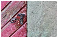 leaving the old year behind (Aspenlaub (blattboldt)) Tags: door knob handle general leuchtenburg kahla thuringiagermany europe zeiss sony ilce7rm3 alpha7riii manualfocus manualiris manualexposure specialthankstochristophecasenaveandhisteamfromzeissfortheirpersonalinvolvementinthedevelopmentoftheloxialensline ⚶ emount loxia2485 loxia2485sonnar 85mm 51695547 sonnar laudātū physiognomic handheld remains leftover wabisabi 侘寂 空 nārrātō