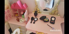 Doll house powder room (mellsdolls) Tags: blythe dollhouse miniature blythedolldress dolldress handmadedolldress sallyrice rement rarerement