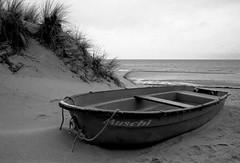 Muschi (pixel-art) Tags: balticsea lubmin germany boat sand landscape analogphotography