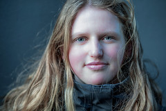 A stranger / Binnenhof 2019 (zilverbat.) Tags: binnenhof portrait portret portretfotografie zilverbat pin stranger girl portraits people peopleofthehague peopleinthecity project image bokeh eyes blond blonde young koud cold denhaag innercity holland face