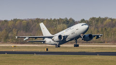 GAF A310MRTT leaving Eindhoven for another day of EART 2019 (Nicky Boogaard) Tags: eart2019 eart europeanairrefuelingtraining europeanairrefuelingtraining2019 eindhoven ehv eheh military militaryaviation tankeraircraft tanker eindhovenairport eindhovenairbase germanairforce germany gaf hermannkohl 1025 a310mrtt airbuslovers airbus airbusmilitary luftwaffe