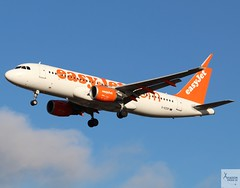 EasyJet A320-214 G-EZOF landing at LGW/EGKK (AviationEagle32) Tags: lon london londongatwick londongatwickairport gatwickairport gatwick lgw egkk unitedkingdom uk airport aircraft airplanes apron aviation aeroplanes avp aviationphotography avgeek aviationlovers aviationgeek aeroplane airplane planespotting planes plane flying flickraviation flight vehicle tarmac easyjet u2 ezy airbus airbus320 a320 a320200 a322 a320214 gezof
