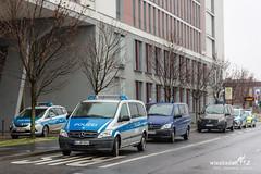 Bombendrohung Landgericht Wiesbaden 11.01.19 (Wiesbaden112.de) Tags: bombe bombendrohung drohung gefährdungslage justiz justizzentrum landgericht mainzerstrase polizei sperrung stenzel wiesbaden wiesbaden112 sst deutschland deu