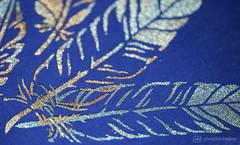 feathers on blue (photos4dreams) Tags: frankfurt messe fair paper stationery papier büro büromaterial marken markenartikel artikel photos4dreams photos4dreamz p4d eventphotos4dreamz 2017 frankfurtmain susannahvvergau ffm deko paperworld christmasworld decoration creativeworld flowerworld macro makro macrolens cloth stoff macromondays hmm