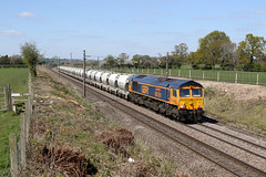 66761 6V35 old lane 11.04.2019 (Dan-Piercy) Tags: gbrf class66 66761 oldlane actonbridge 6v35 clitheroe avonmouth cements wcml