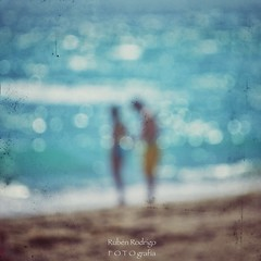 Breathe (Mister Blur) Tags: bokeh air breathe withme blur love beach scene bythesea miami florida usa blurry waves dots couple inlove sea square format happy valentines day formywife loveofmylife nikon d60 55200mm nikkor snapseed rubén rodrigo fotografía themission