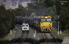 Powering Past (Jay McGhee) Tags: rpauvicgclass1 rpauvicgclass1g519 pacificnational railway australianrailways railwaysofaustralia victorianrailways freighttrain graintrain feed g519 locomotive dimboola melbourne albury wodonga victoria new south wales junee