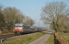 BB 67557 et TGV Sud Est (SylvainBouard) Tags: sncf tgvsudest bb 67400 train railway