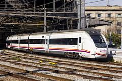 449-023 (Escursso) Tags: 449 adif barcelona franã§a regional renfe sattion estacio rail railway train tren frança