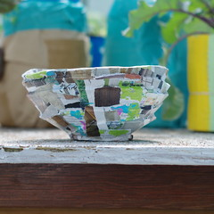 Recycled Cardboard Bowl With Magazine