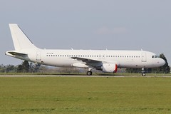 YL-LCN EX SmartLynx Airbus A320-211 at Kemble / Cotswold . (Bob Symes) Tags: airbus a320 yllcn 662 smartlynx a320211