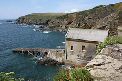 Lizard Point: The Old Lizard lifeboat station (Helgoland01) Tags: lizardpoint england cornwall uk atlantik atlantic rnli
