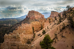 Shift To The Right (Brad Prudhon) Tags: 2018 bryce brycecanonnationalpark hoodoos october utah formations landscape rocks scenic