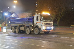 _MG_8962 (Yorkshire Pics) Tags: 2401 24012019 24thjanuary 24thjanuary2019 leeds leedsatnight leedscity leedscityatnight leedscitycentre leedscitycentreatnight tipper tippertruck tipperlorry truck trucking yd60aro