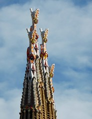 Reaching Up (Douguerreotype) Tags: cathedral church sagradafamilia barcelona buildings city spain architecture catalunya gaudi