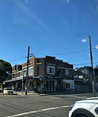 2019 Sydney: The Wolf & Honeybee (dominotic) Tags: 2019 cafe enmore innerwestsydney urban architecture iphone8 bluesky streetart sign yᑌᗰᗰy sydney australia