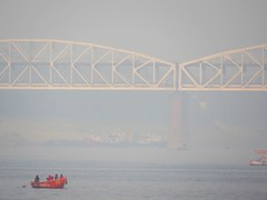 varanasi 2019 (gerben more) Tags: bridge boat fog smog ganges ganga india varanasi benares