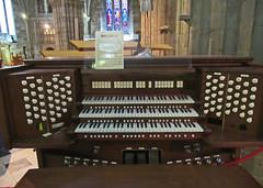 Worcester Cathedral, Boxing Day, 2018. (Tudor Barlow) Tags: worcester worcestercathedral england christmas boxingday winter canonpowershotsx620hs cathedrals cathedral organ digitalorgan