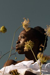 La douce caresse du soleil d'automne (silvano.fortunato) Tags: black mood pic beautiful photovogue shadow light eye posing body conceptual conceptualphotography photography portraiturephotography portrait girl woman model