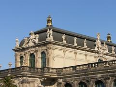 City-Sky-Liner 360° Dresden neben dem barocken Zwinger (Seesturm) Tags: 2018 seesturm deutschland germany sachsen saxony cityskyliner city aussicht plattform aussichtsplattform drehaussicht dresden landeshauptstadt zwinger dresdnerzwinger