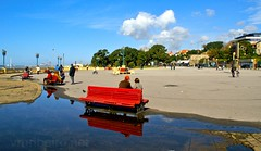 Passeio da Foz (vmribeiro.net) Tags: geo:lat=4115899217 geo:lon=868415146 geotagged matosinhos nevogilde portugal prt porto water beach sea travel summer vacation tourism blue boat sky coast sand nature ocean sun sony a350